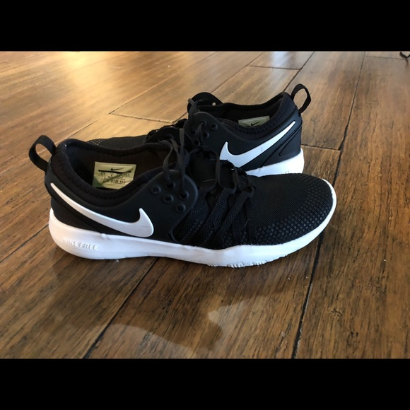 Nike Free TR7 size 6 women's barely worn